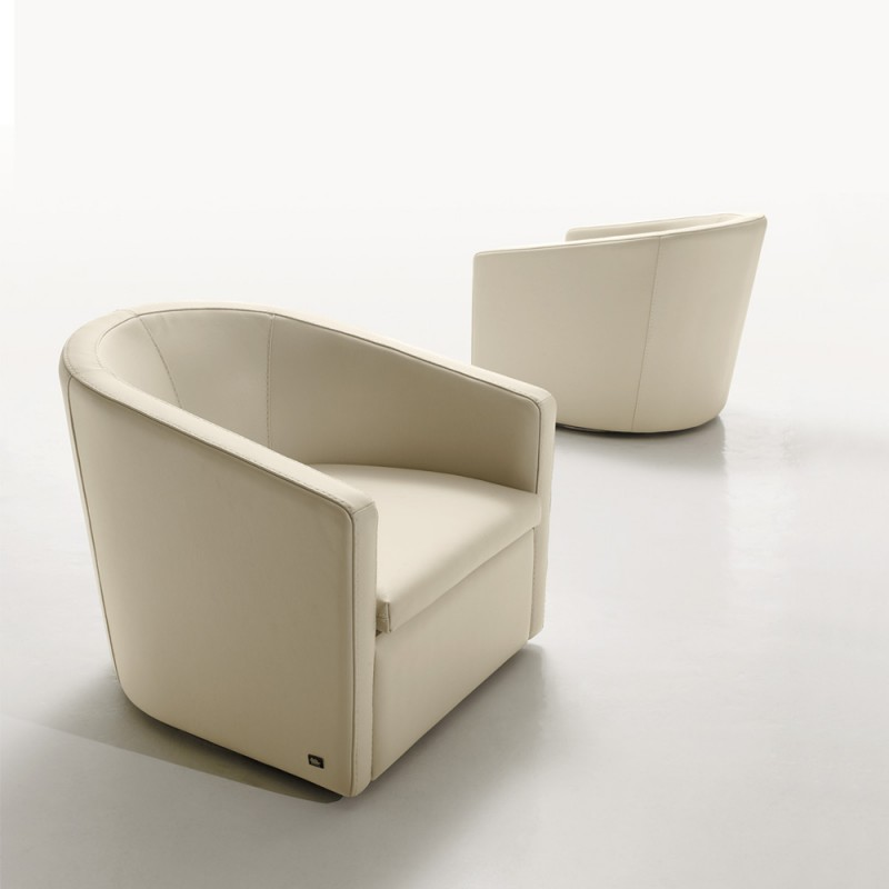 pretty-gamma-armchair