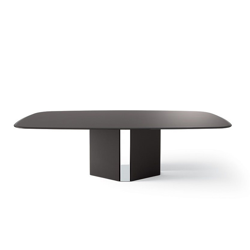Eyl-gallotti-and-radice-dining-table
