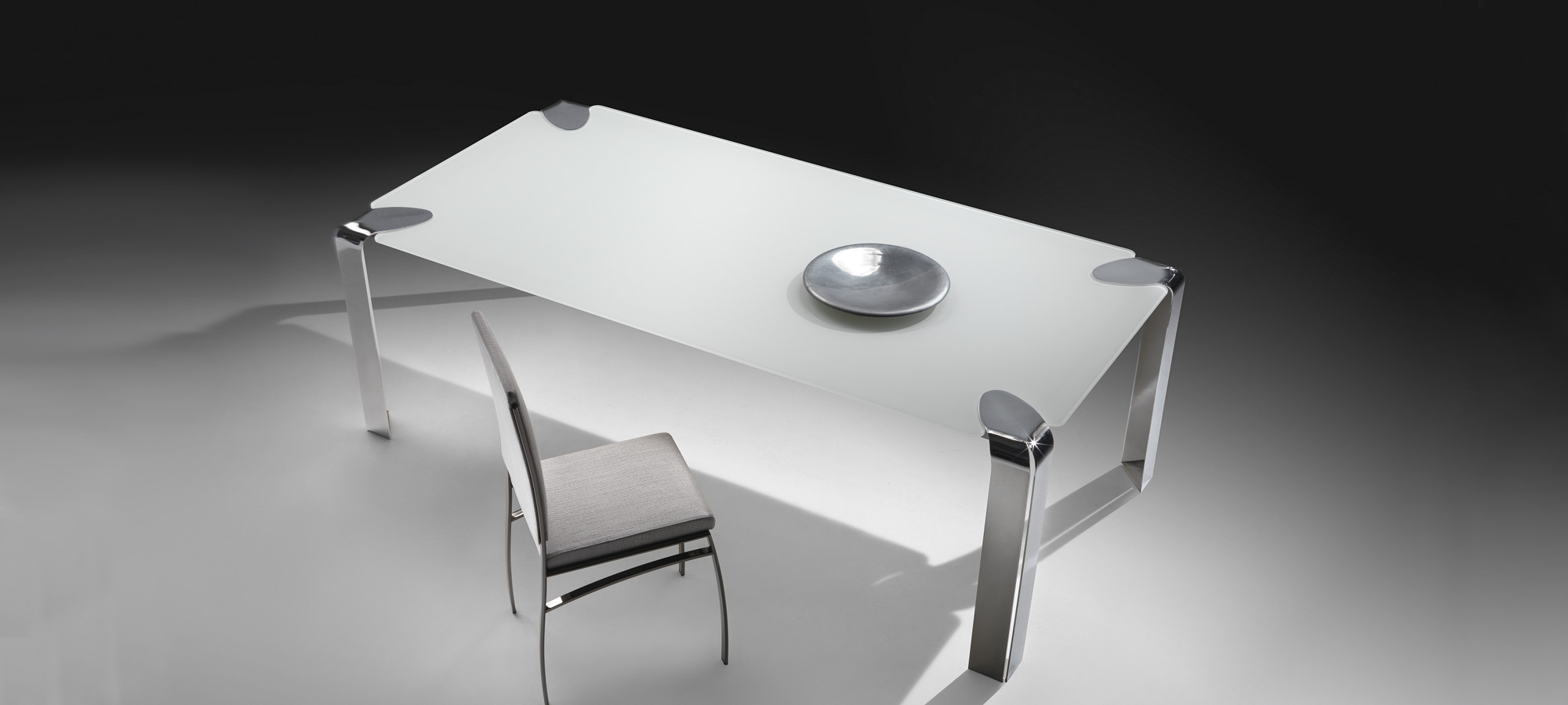 flow-orsenigo-dining-table