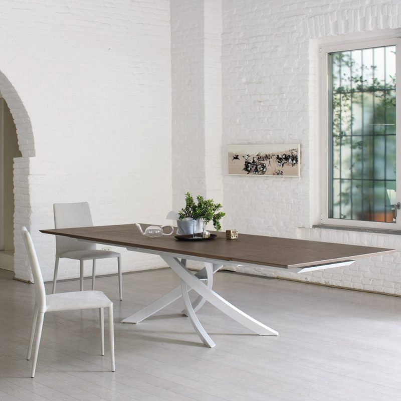 Artistico-bontempi-dining-table