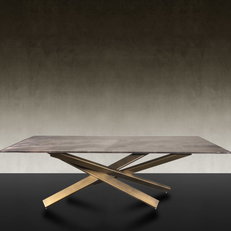 Mikado-reflex-dining-table