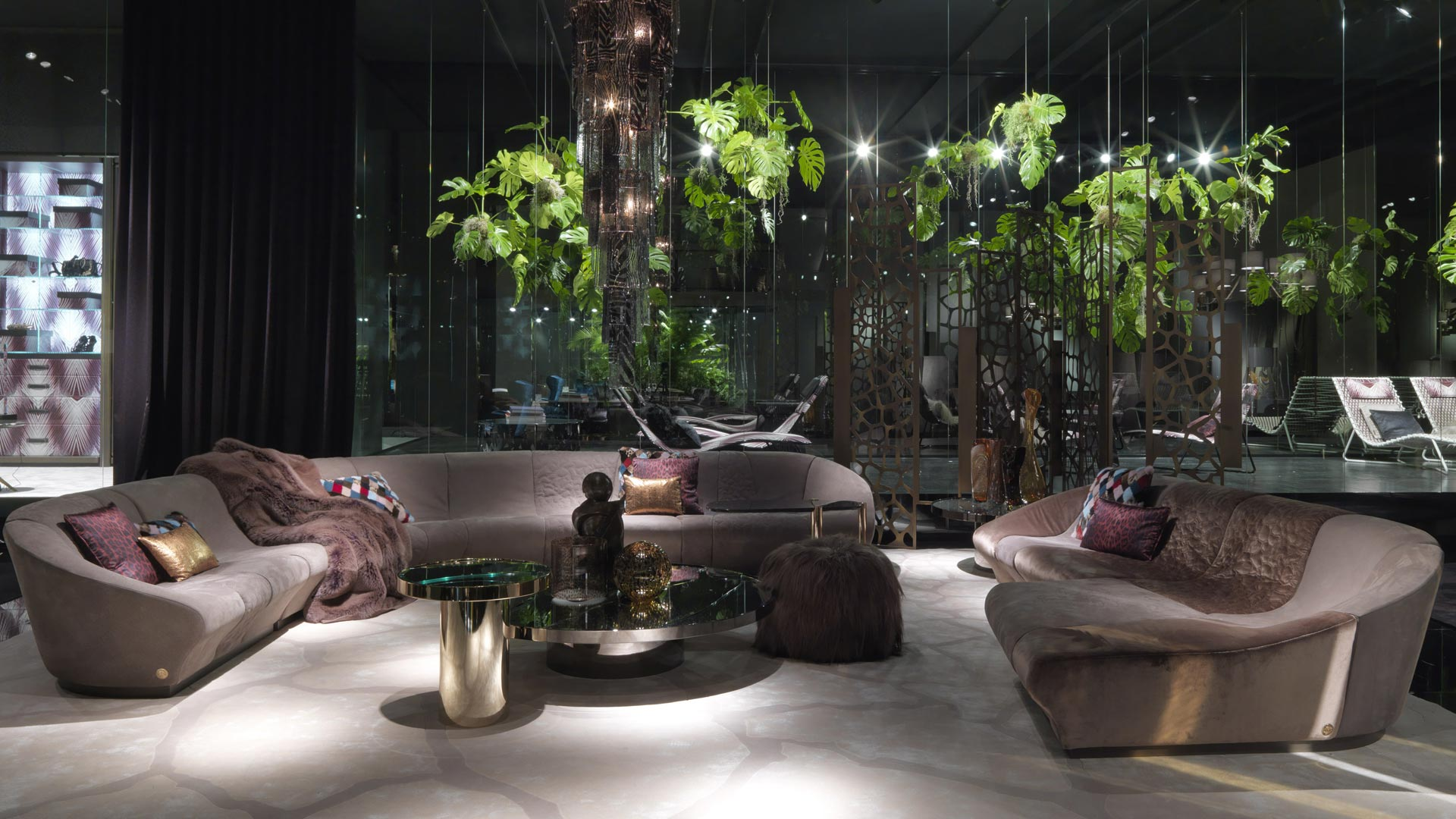 Roberto cavalli home interiors casarredo for Home interior design images