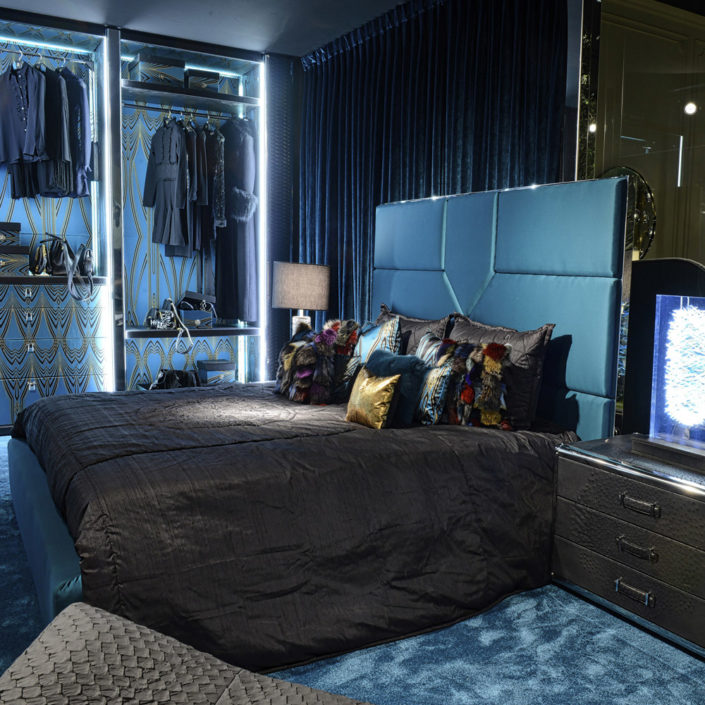 Springs-bed-roberto-cavalli-home-interiors