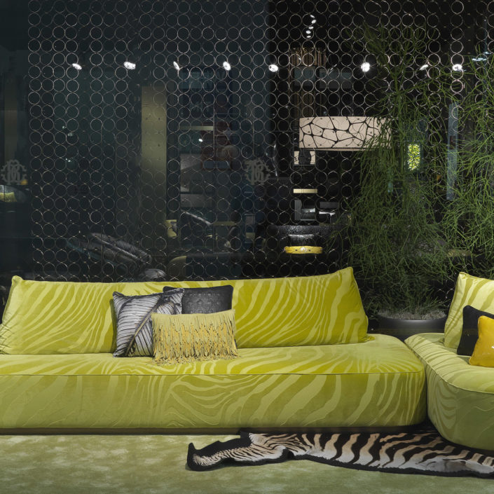 Baltimora-sofa-roberto-cavalli-home-interiors-italian-furniture-luxury