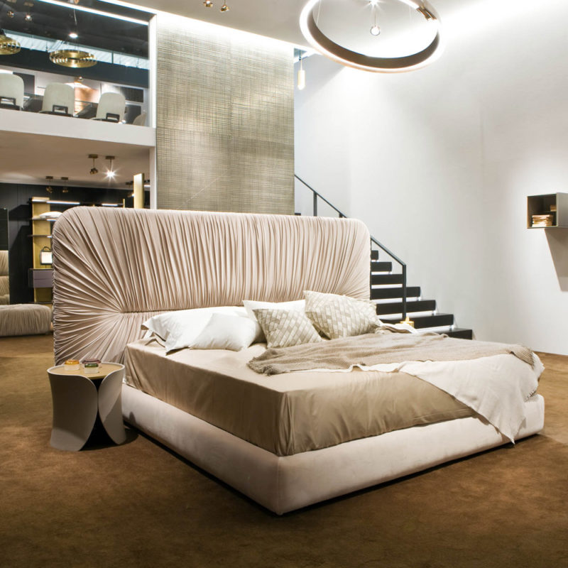 drape-bed-Laurameroni-italian-luxury-furniture