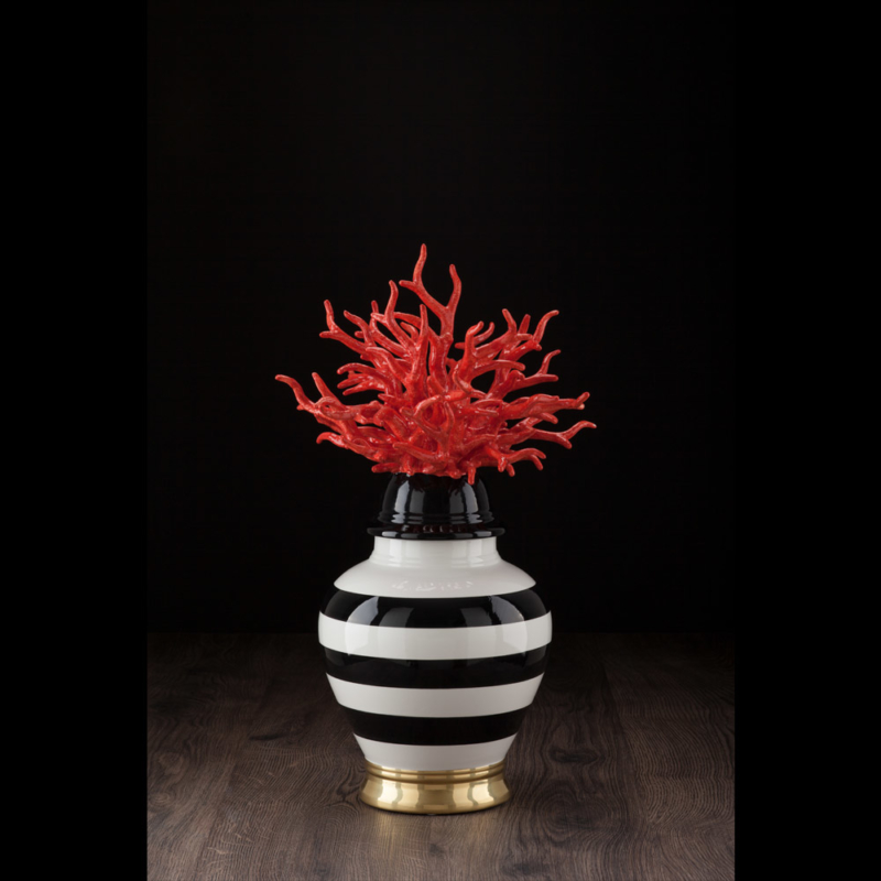 Large-vase-stripes-with-coral-red-ceramiche