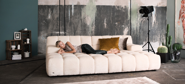 Bretz-news-depth-sofa